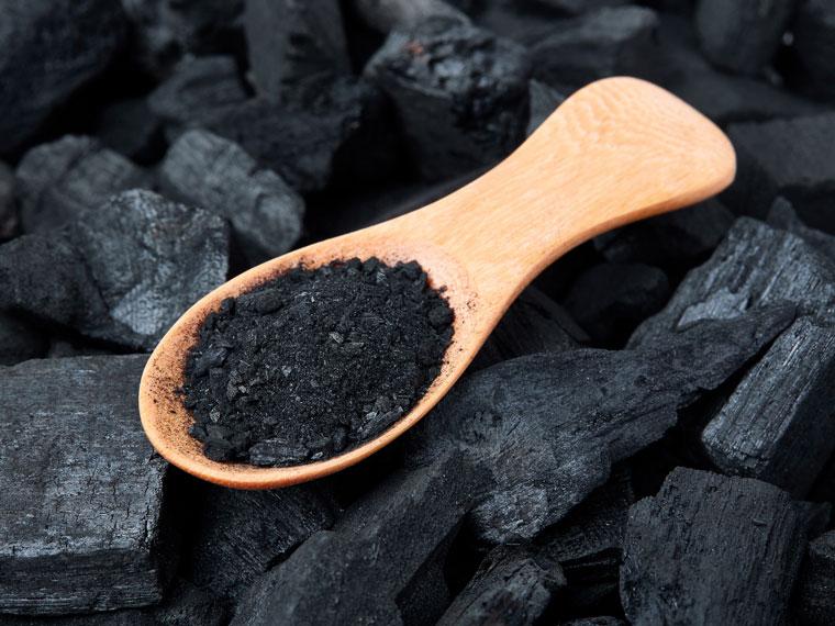 ¿Sirve de algo un chupito de jengibre de Mercadona y carbón activado? Esto es lo que dice la ciencia